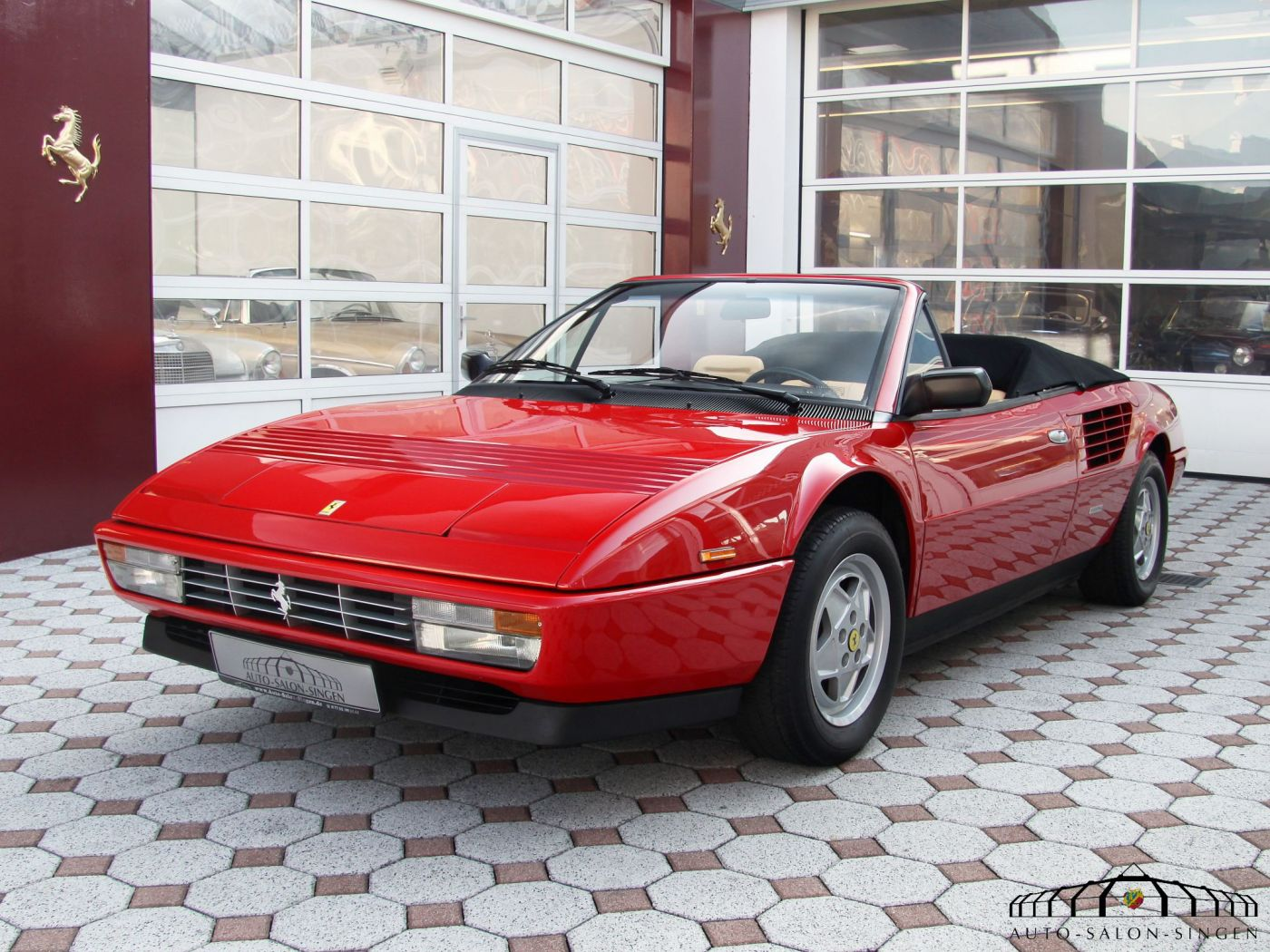 ferrari mondial 3 2 cabrio convertible auto salon singen. Black Bedroom Furniture Sets. Home Design Ideas