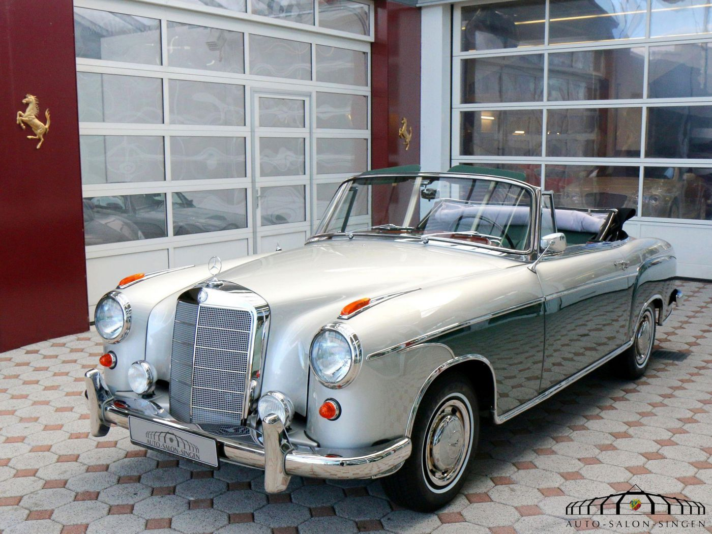 Mercedes benz 220 s ponton cabrio a c cabrio auto salon for Mercedes salon