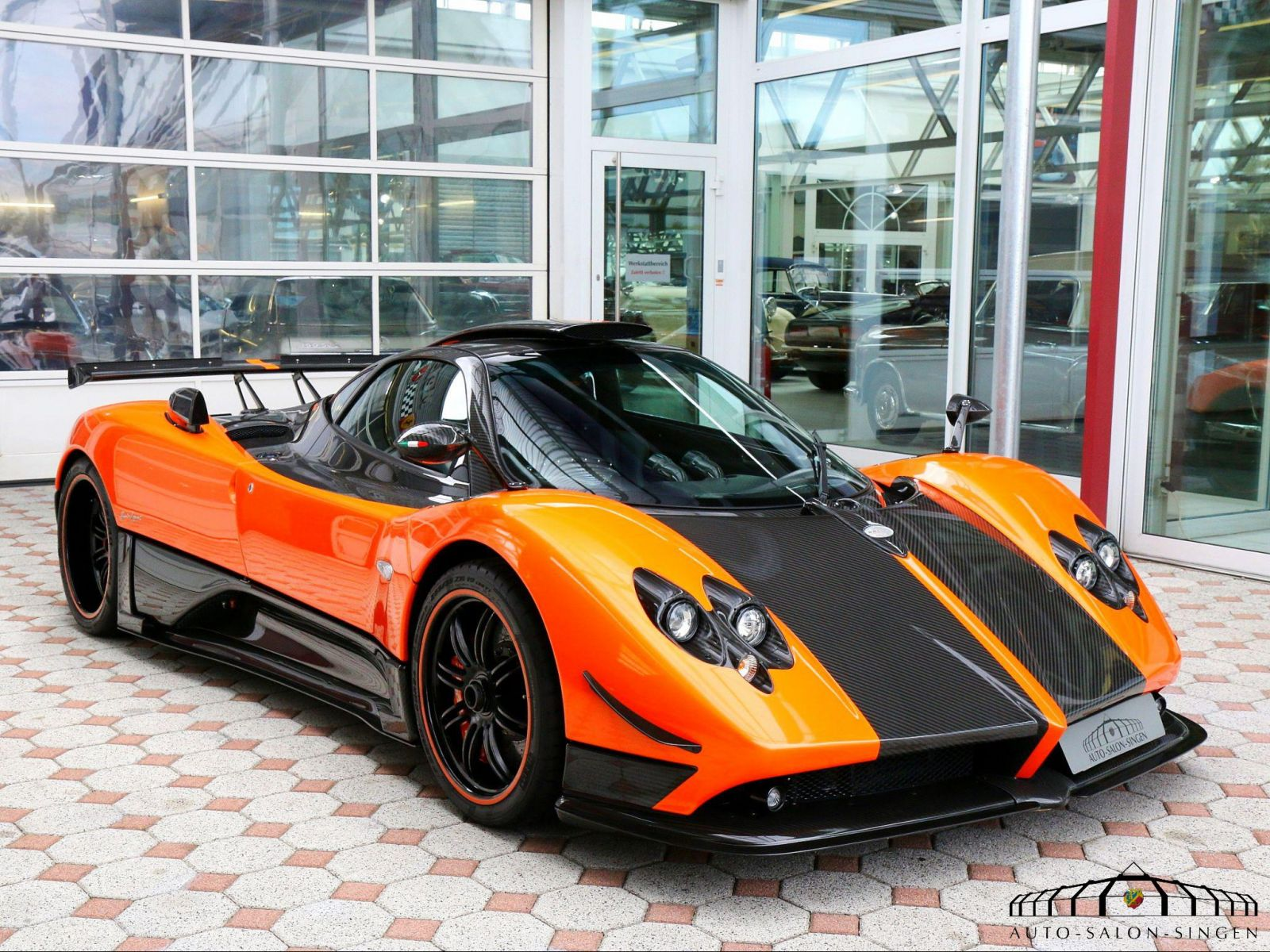 pagani zonda cinque coup auto salon singen. Black Bedroom Furniture Sets. Home Design Ideas